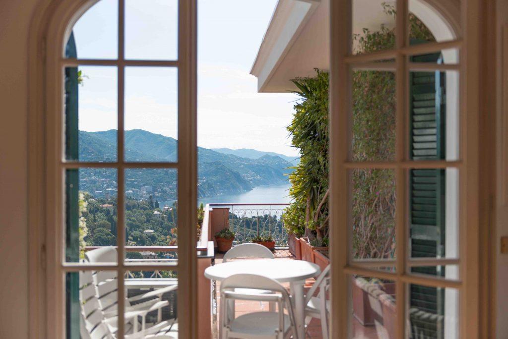 Fotografia d'interni: Vista mare a Rapallo