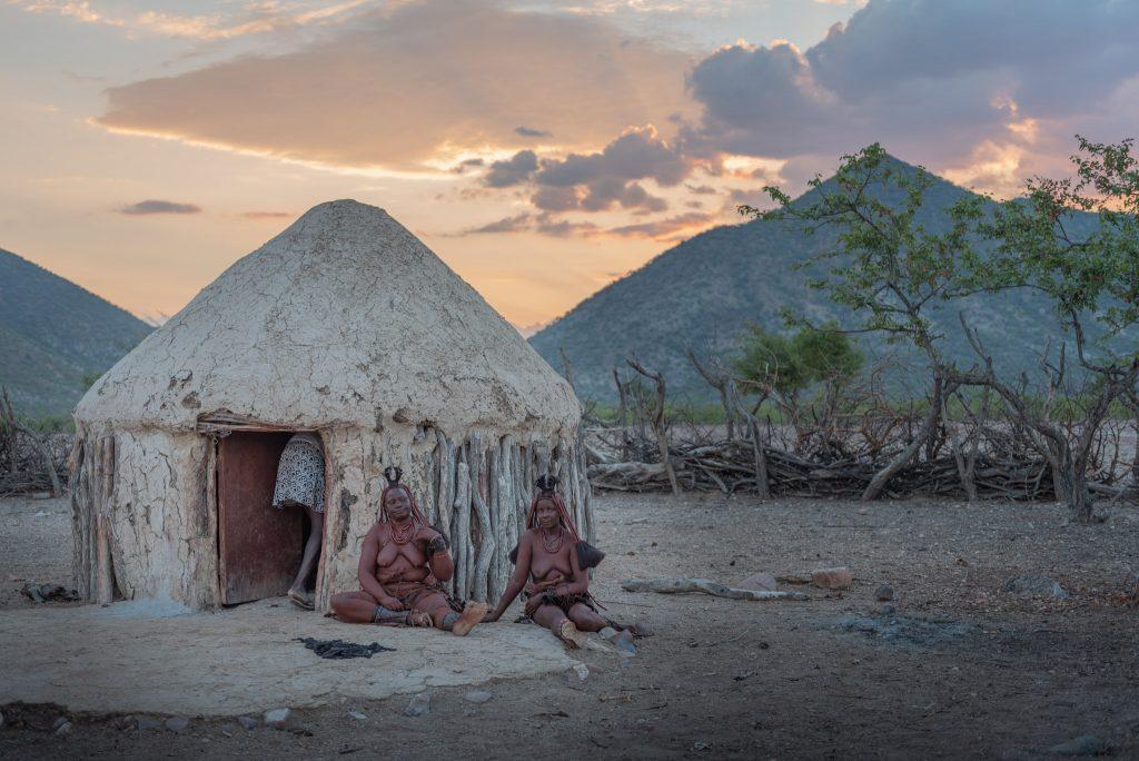 Donne Himba al Tarmonto