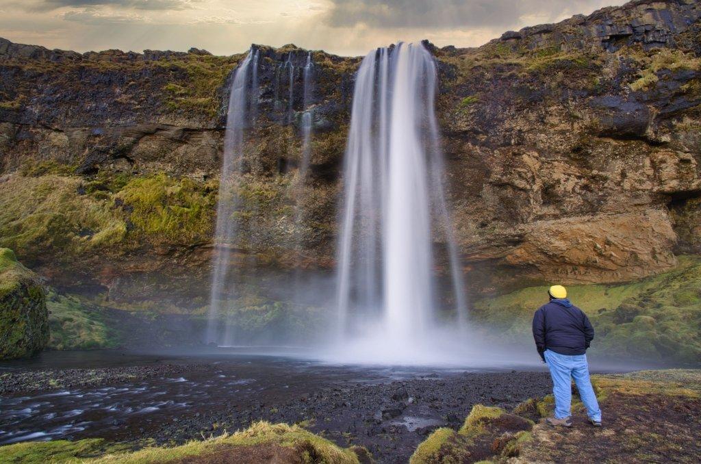 Cascata di Seljalandsfoss in Islanda