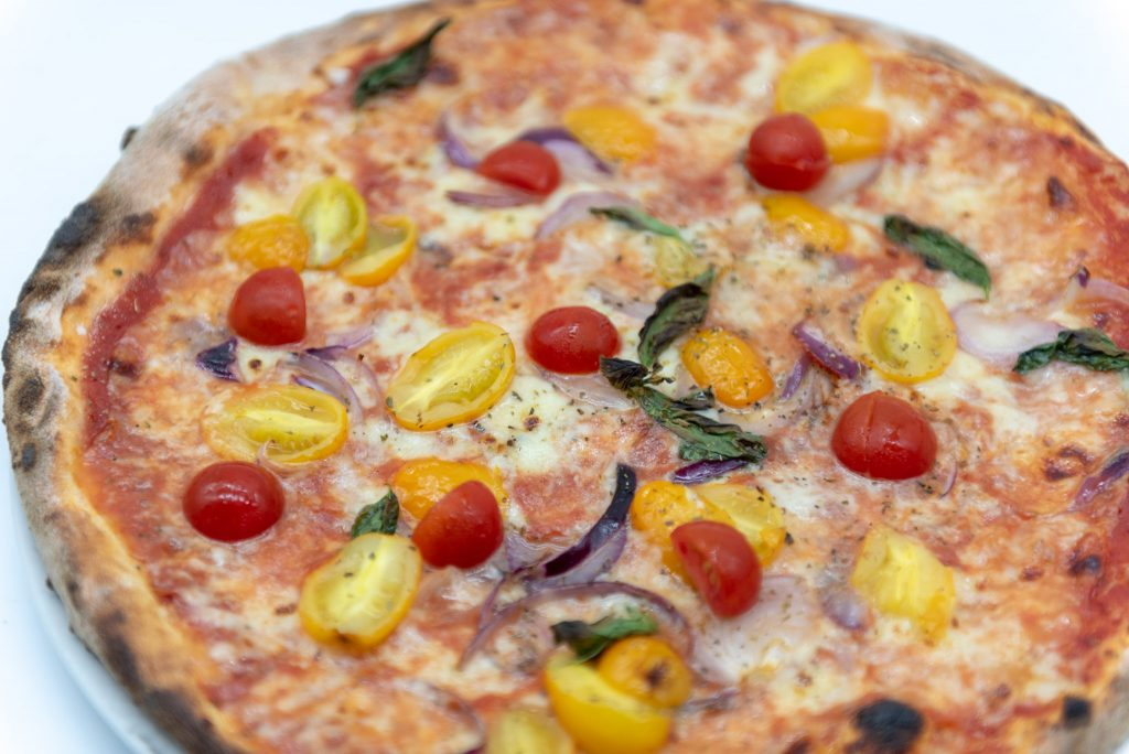Food photography: pizza closeup (light box)
