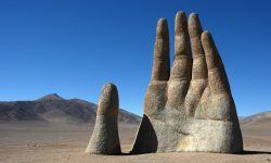mano-desierto-cile